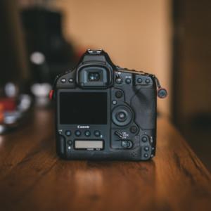 produkcja wideo 1 300x300 - produkcja-wideo-1