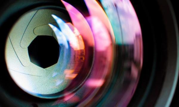 przyslona w aparacie - Co to jest przysłona w obiektywie aparatu i do czego służy?